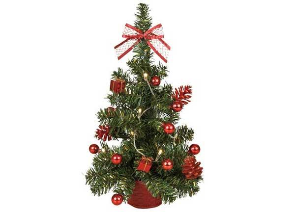 Weihnachtsbaum mit LED-Lichterkette